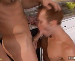 Hefty married guy gives oral sex