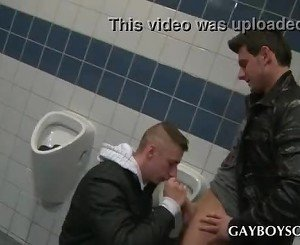 Teen gays enjoying oral sex in public