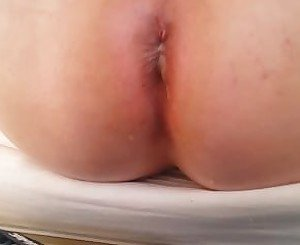 spilling cum from arse using a dildo & finger