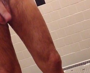 [Lockerroomshowers] Hung Daddy Gym Spycam