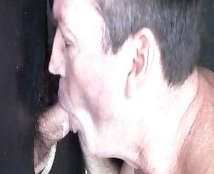 Hot big booty straight Kiwi blown in Aussie Gloryhole